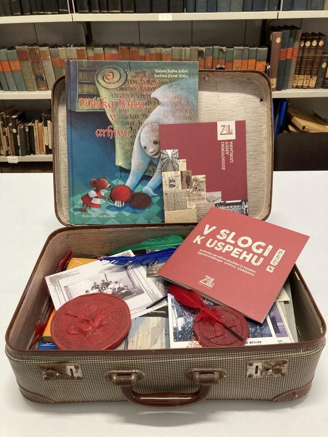 Arhiv v kovčku 2